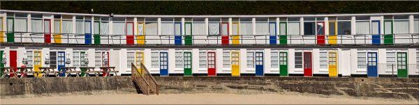 Porthgwidden Beach Chalets - Canvas Print